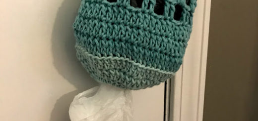 The Gracie Messy Bun Beanie Crochet Pattern - Crochet it